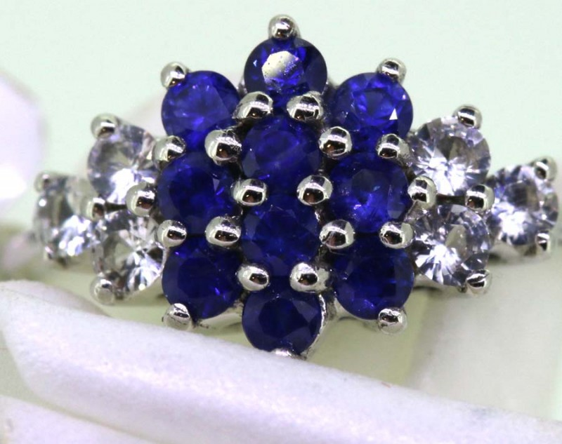 11.40-CTS SAPPHIRE RING BLUE AND WHITE   SG-2770