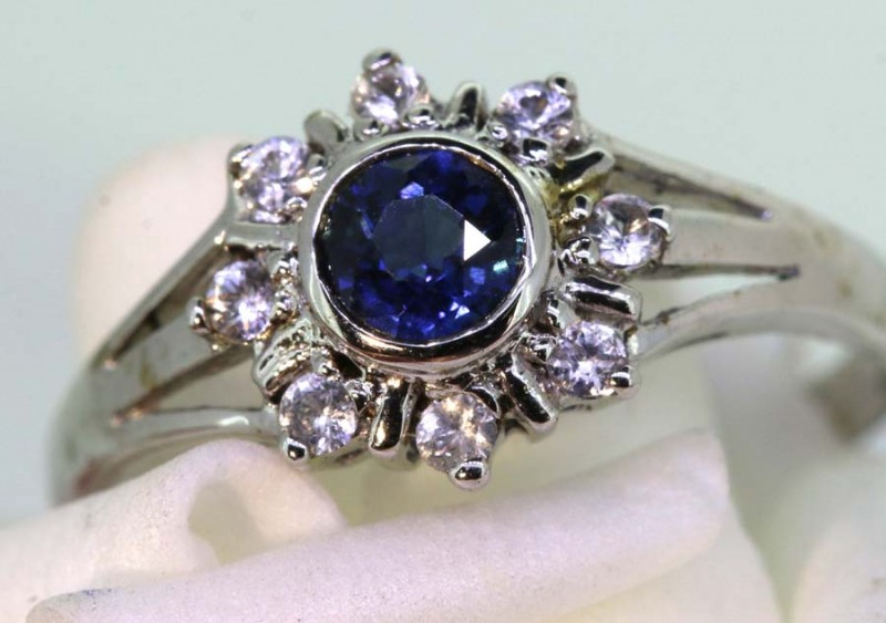 9.3-CTS SAPPHIRE RING BLUE AND WHITE   SG-2773