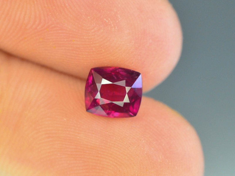 1.45 ct Natural Umbalite Garnet Open Color
