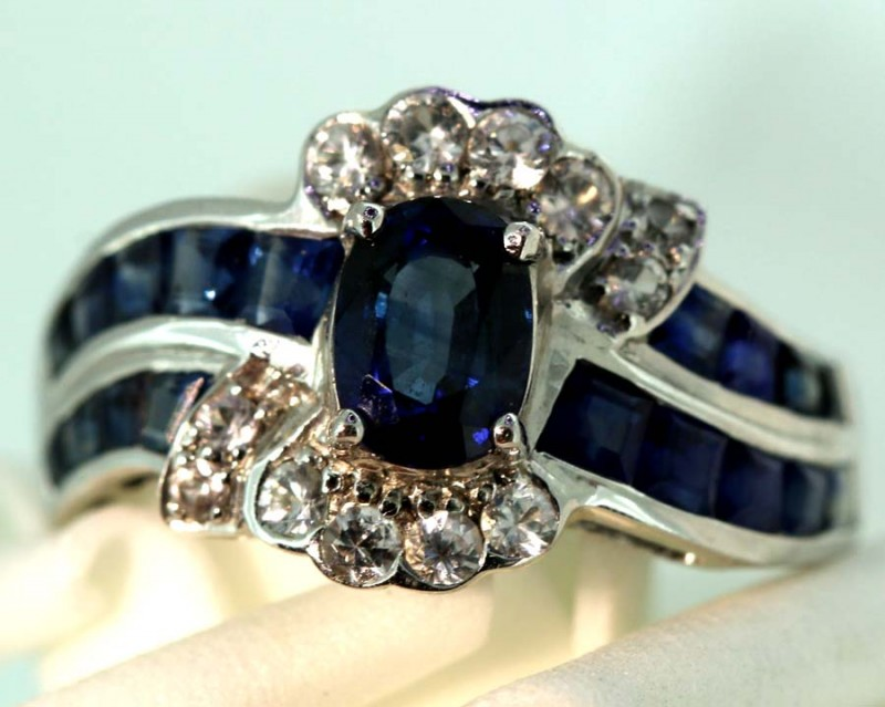 16.95-CTS SAPPHIRE RING BLUE AND WHITE   SG-2778