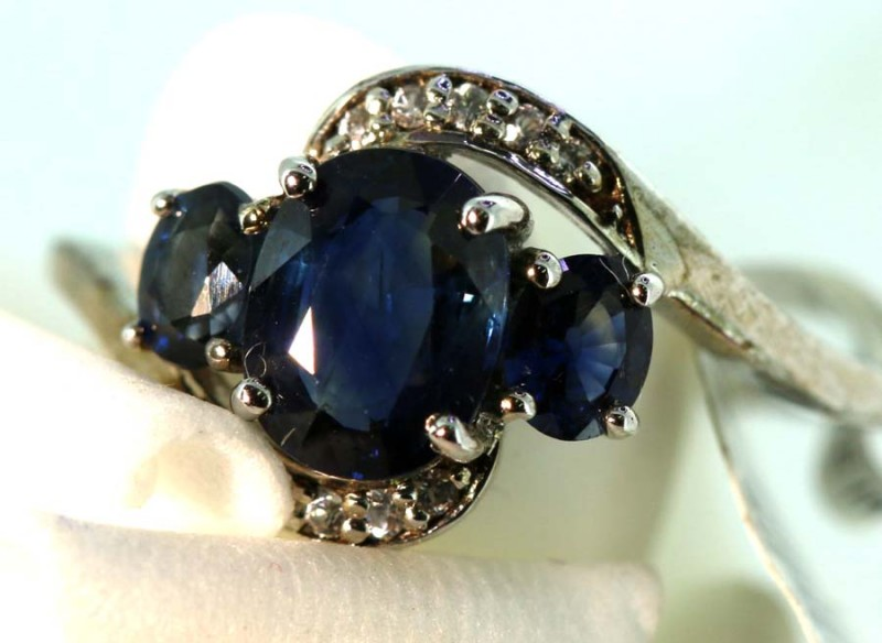 10-CTS SAPPHIRE RING BLUE AND WHITE   SG-2783