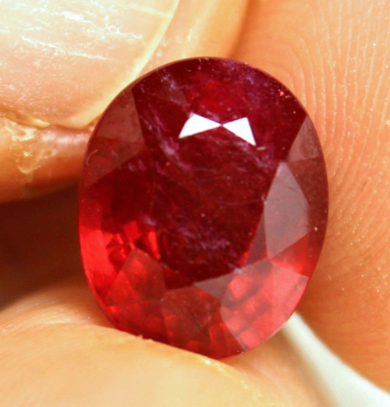 8.63 Carat Red Fiery Ruby - Gorgeous