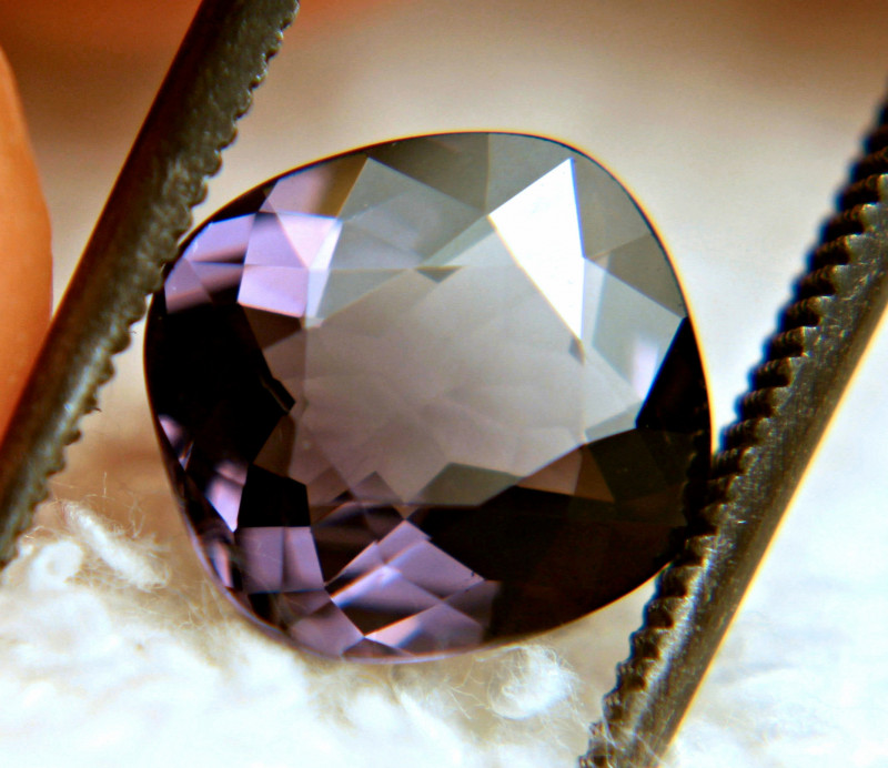 2.45 Carat VS African Spinel - Beautiful