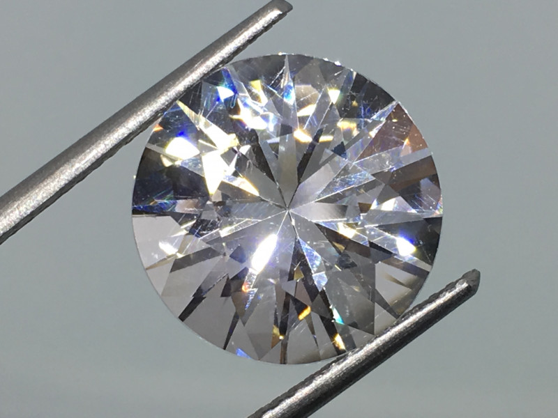 6.25 Carat VVS Cert. Danburite Diamond White Master Cut -  Masterpiece !