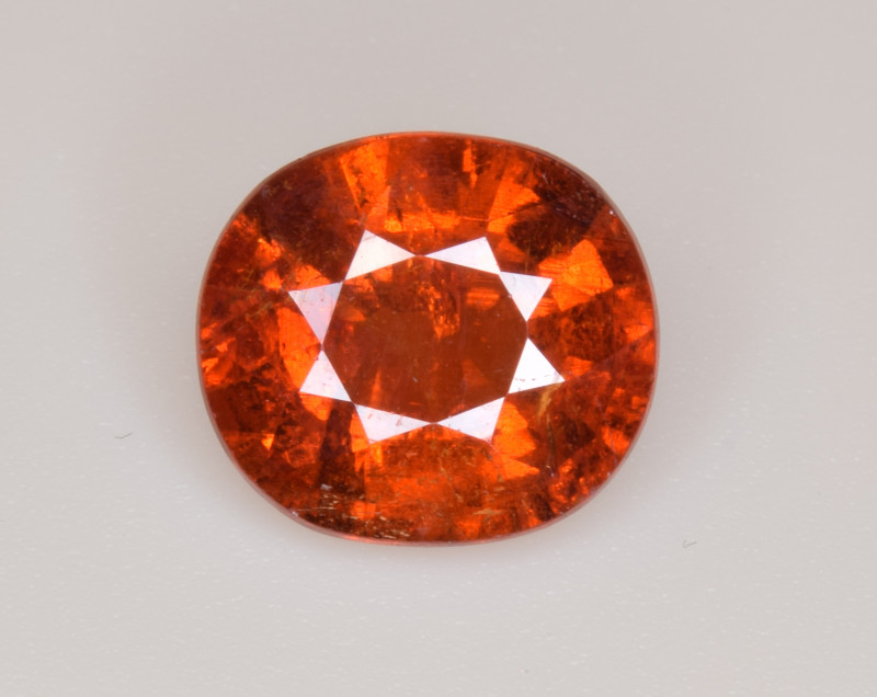Natural Spessartite Garnet 4.68 Cts, Top Luster