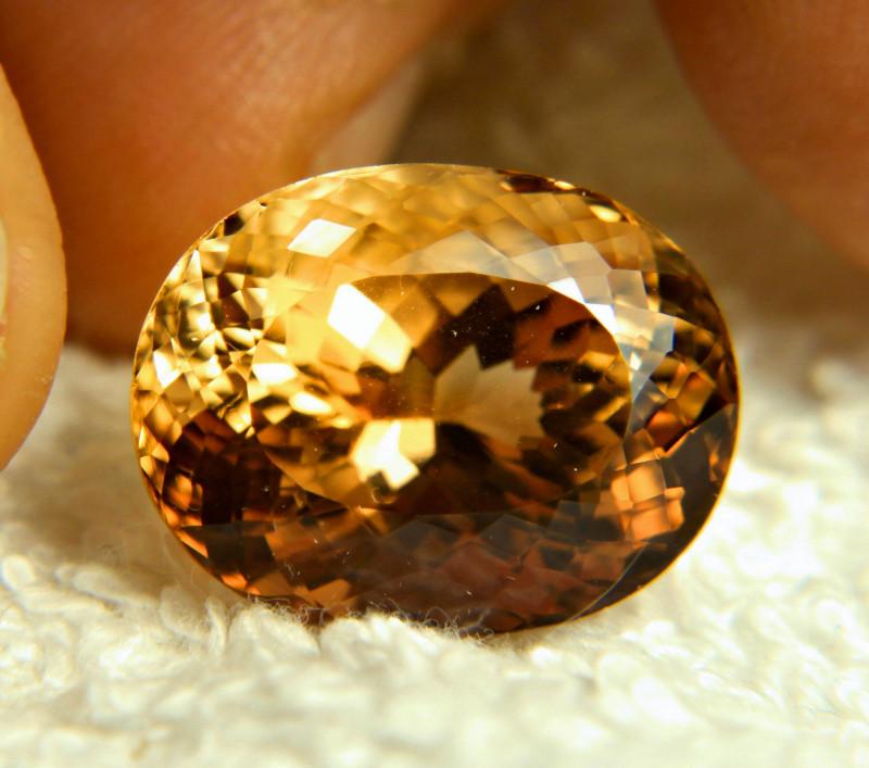 21.29 Carat Flashy Himalayan VVS2 Golden Topaz - Gorgeous