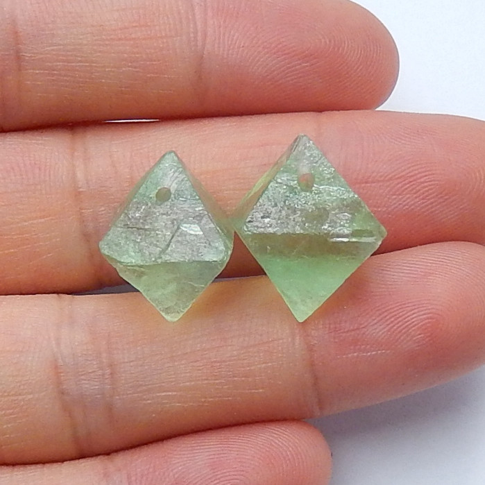 31cts Sale natural green fluorite earing pairs wholesale semi-gem (A431)