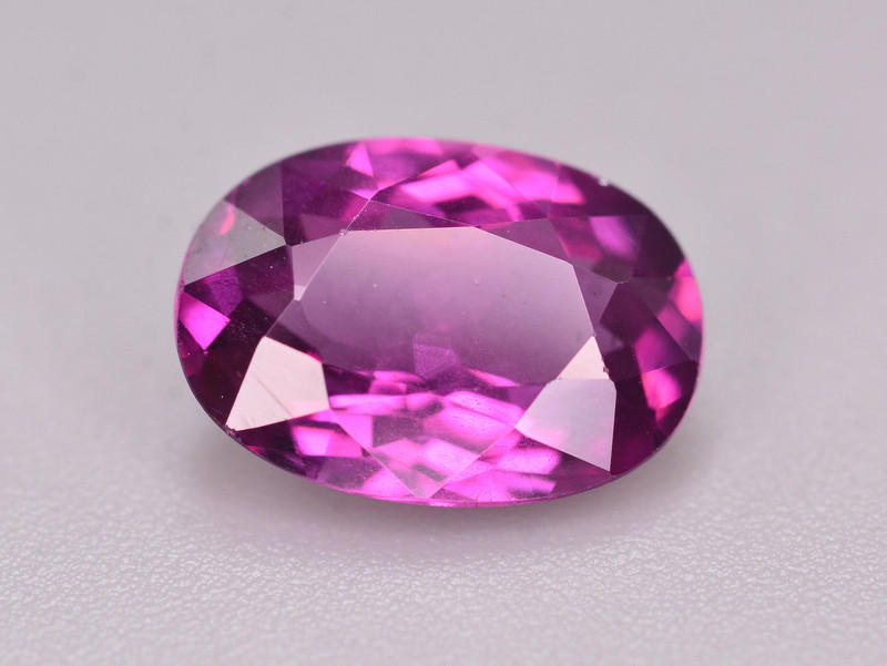 2.65  Ct Amazing Fire Natural Grape Garnet