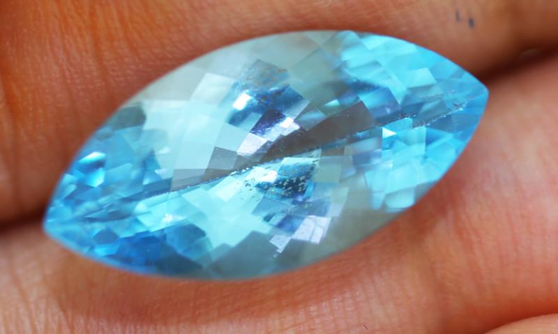 8.999 carats Swiss Blue Topaz ANGC - 778