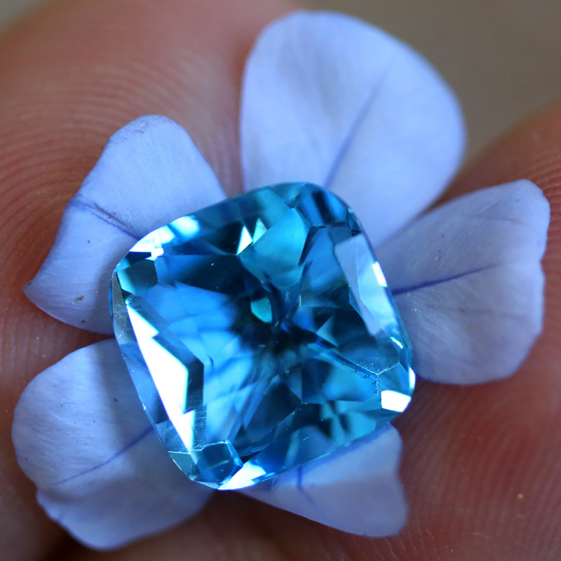 5.06 CTS ELECTRIC BLUE TOPAZ  STUNNING  [GERMANY TREATED][S-SAFE225]