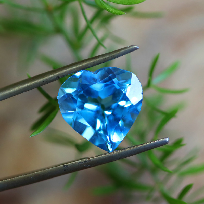 7.93 CTS ELECTRIC BLUE TOPAZ  STUNNING  [GERMANY TREATED][S-SAFE235]