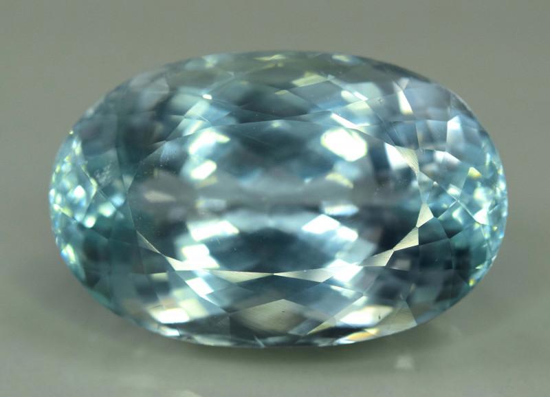 41.80 Carats Top Quality Aqua Color Spodumene Gemstone