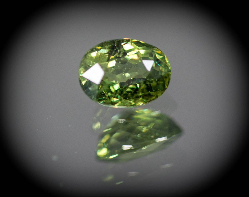 Green  Garnet Demantoid 0.99 ct GPC Lab