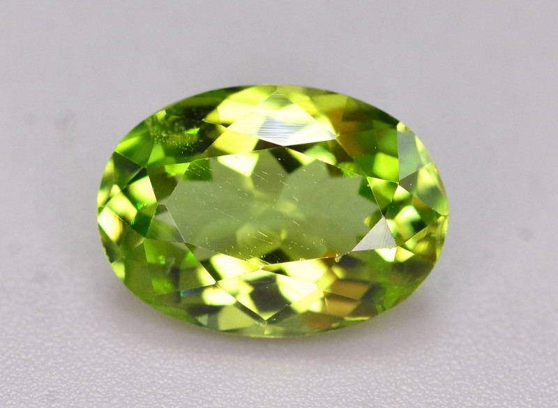 2.85 Ct Gorgeous Color Natural Peridot From Pakistan