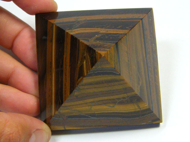 BEAUTIFULLY CARVED TIGER EYE PYRAMID 1030 CTS SGS 511