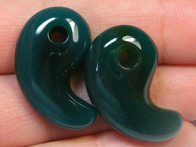 LARGE GREEN AGATE STONES CARVING 40.50 CTS SGS 669