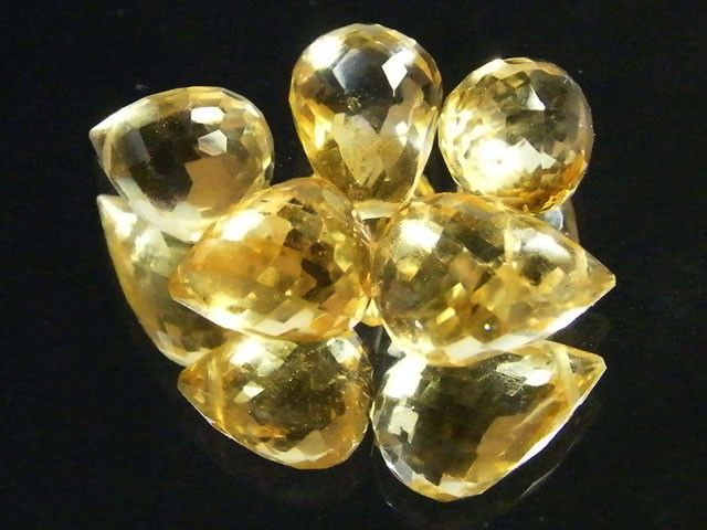 AAAA FLAWLESS GOLDEN YELLOW TOPAZ PARCEL 17CTS SGS 678