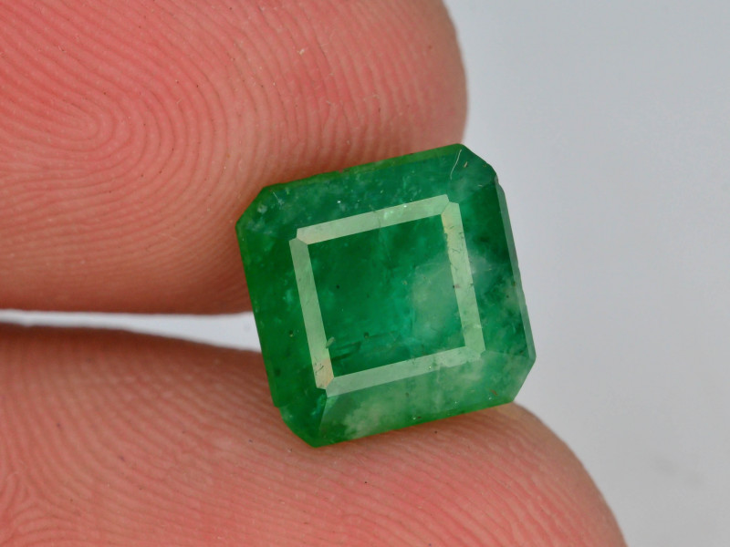 2.70 ct Natural Vivid Green Color Emerald~Swat