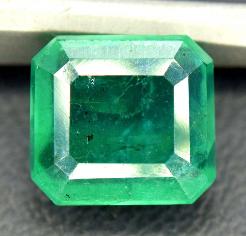 2.35 Carats Emerald Cut Natural Zambian Emerald Gemstone