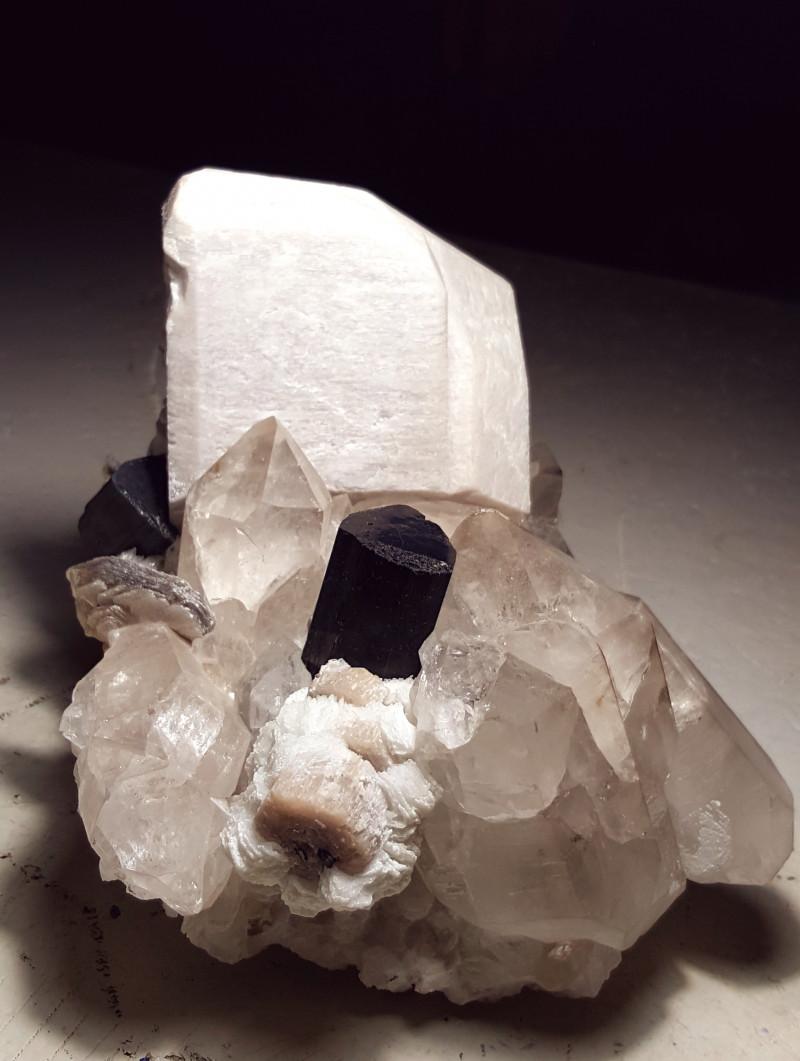 Tourmaline combine with Apatite and Tantalite