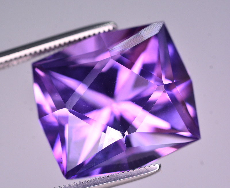 Brilliant Color 14 Ct Natural Amethyst From Uruguay AM1