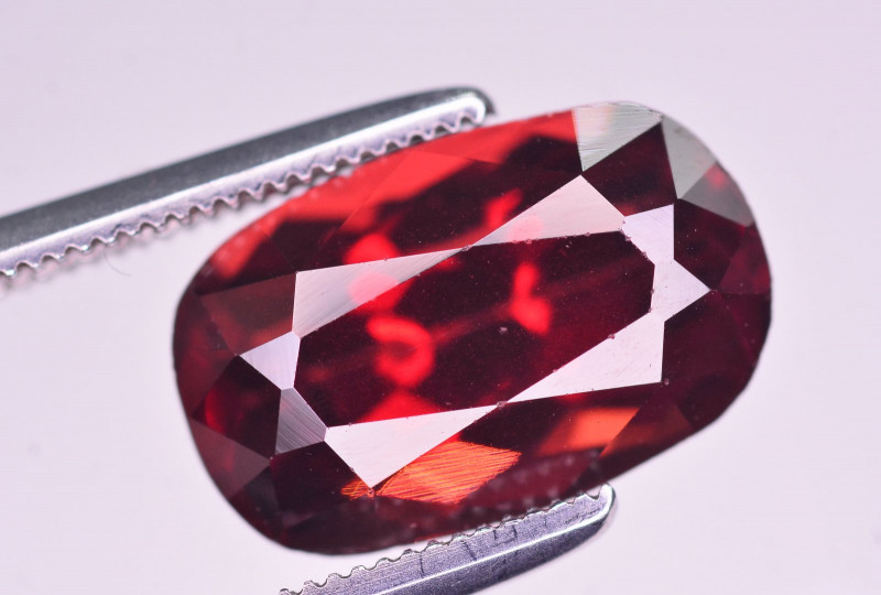 6.55 Ct Brilliant Color Natural Rhodolite Garnet