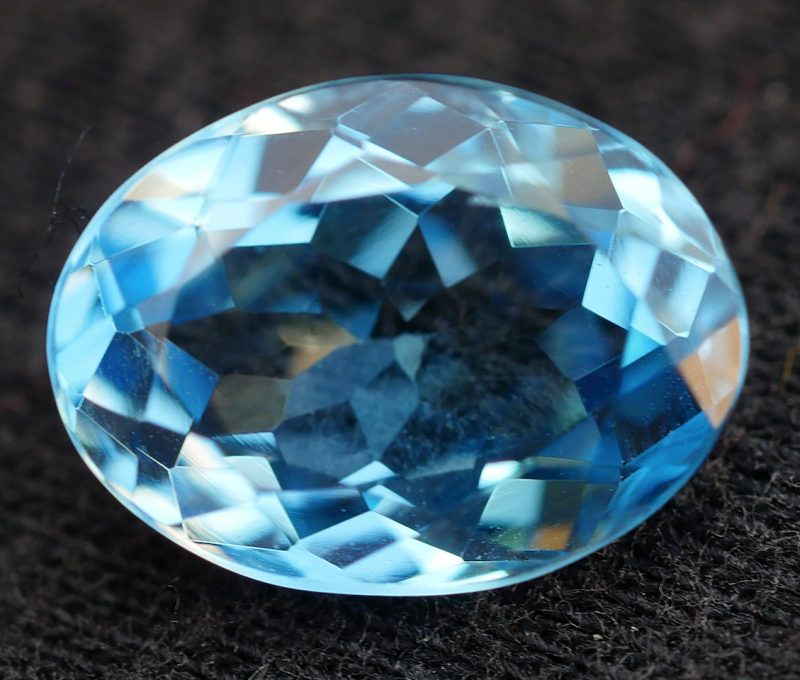 3.05 CRT LOVELY SWISS BLUE TOPAZ VERY CLEAR-