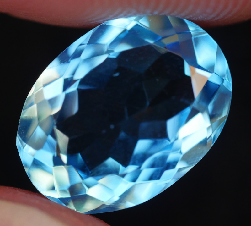 2.50 CRT LOVELY SWISS BLUE TOPAZ VERY CLEAR-