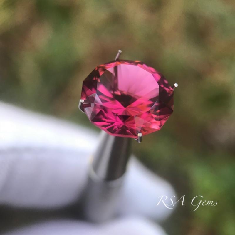 Vivid Pink tourmaline/rubellite - 5.46 carats