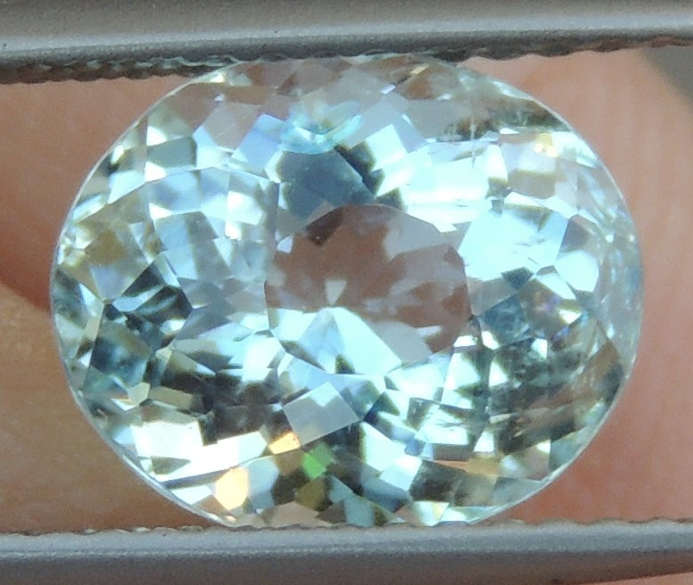 2.61cts  Aquamarine,   Clean,