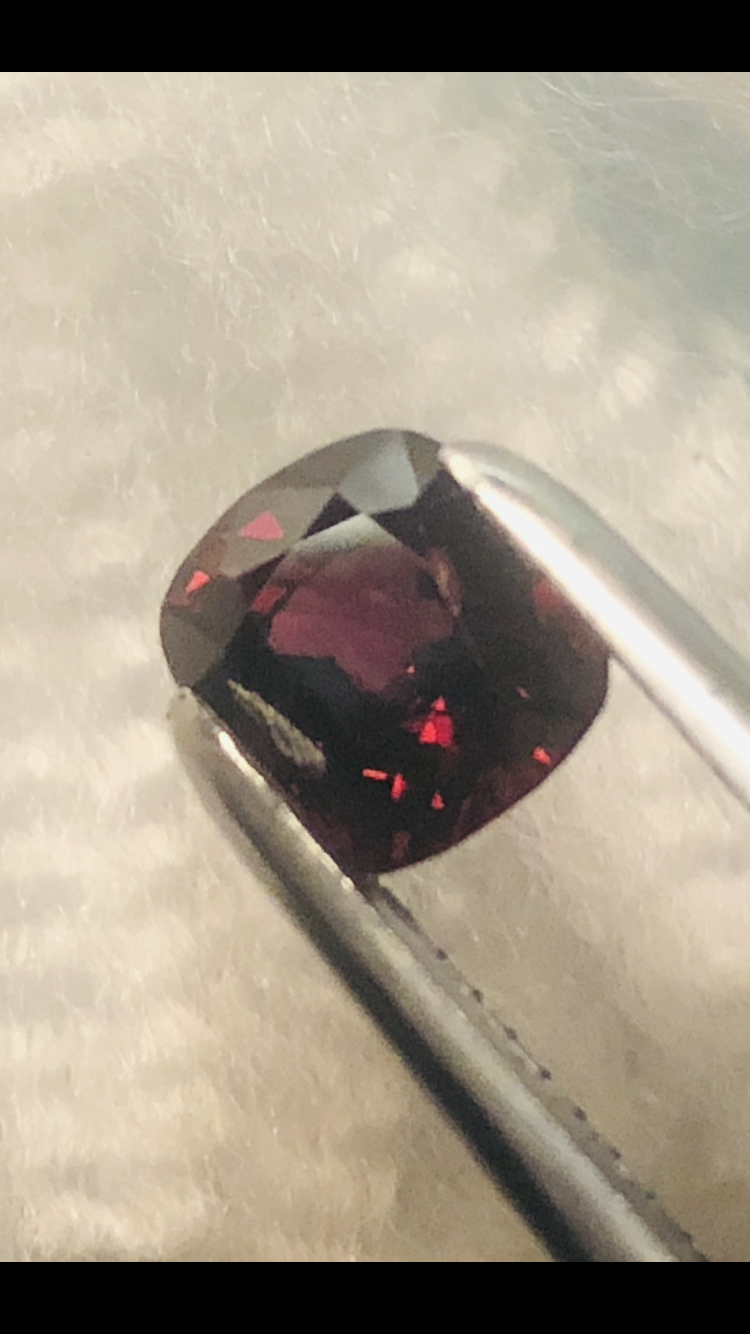 GGA-1.95CT - SPINEL-TOP RED MOGOK VVS PERFECT SIZE FOR JEWELLERY- VERY CLEA