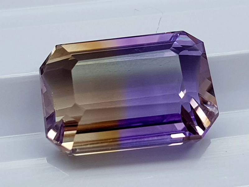 7.85CT BOLIVIAN AMETRINE BEST QUALITY STONES IGCAMCB37