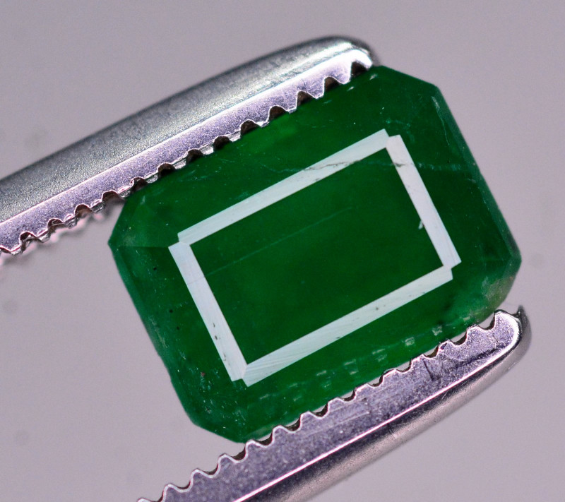 1.25 Ct Brilliant Color Natural Swat Emerald