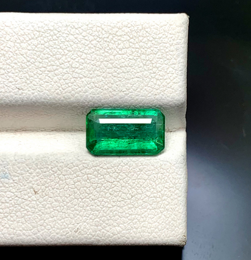 2.55 cts Natural Emerald Gemstone