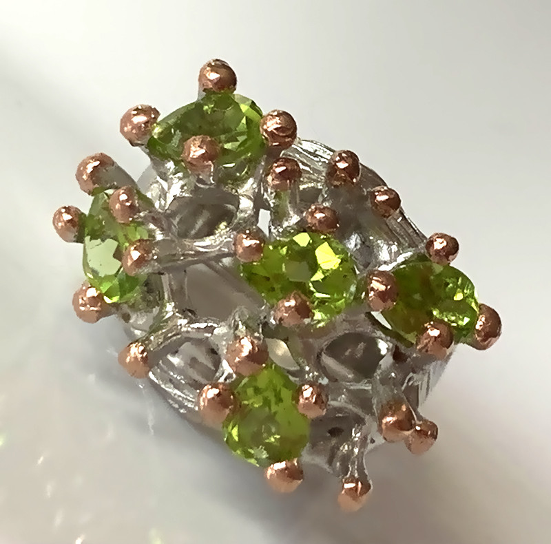 ⭐Wild Peridot White and Yellow Gold Sterling Silver ring Size 8
