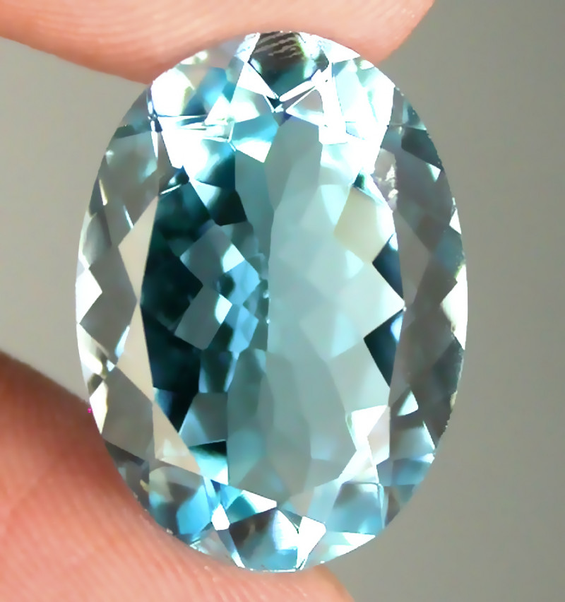 13.65ct Dazzling Jewellery Grade Sky Blue Topaz VVS