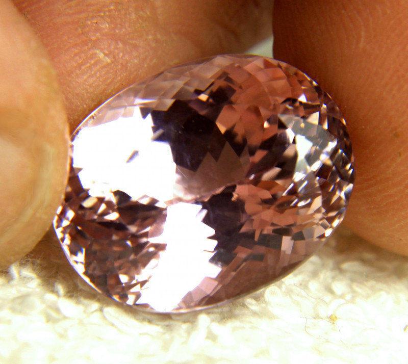 26.82 Carat Vibrant Pink Himalayan VVS Kunzite - Gorgeous