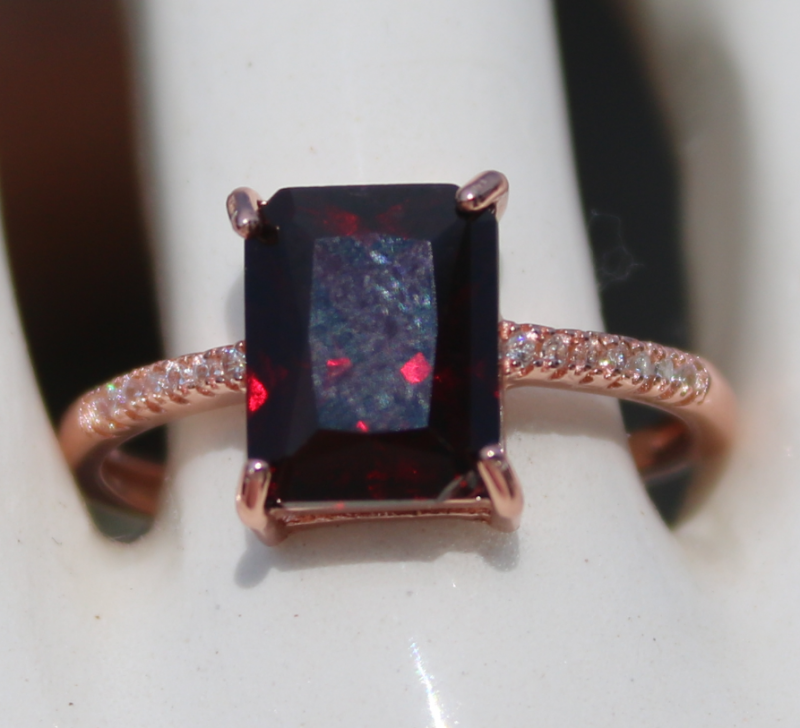 Pyrope 3.40ct,Rose Gold Plated,Solid Sterling Silver Ring