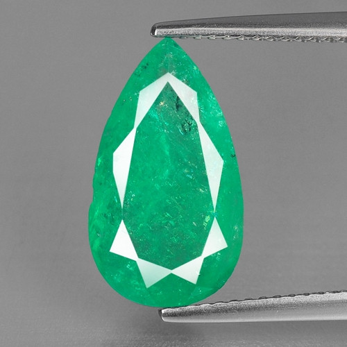 3.84 Cts NATURAL EARTH MINED GREEN COLOR COLOMBIAN EMERALD LOOSE GEMSTONE