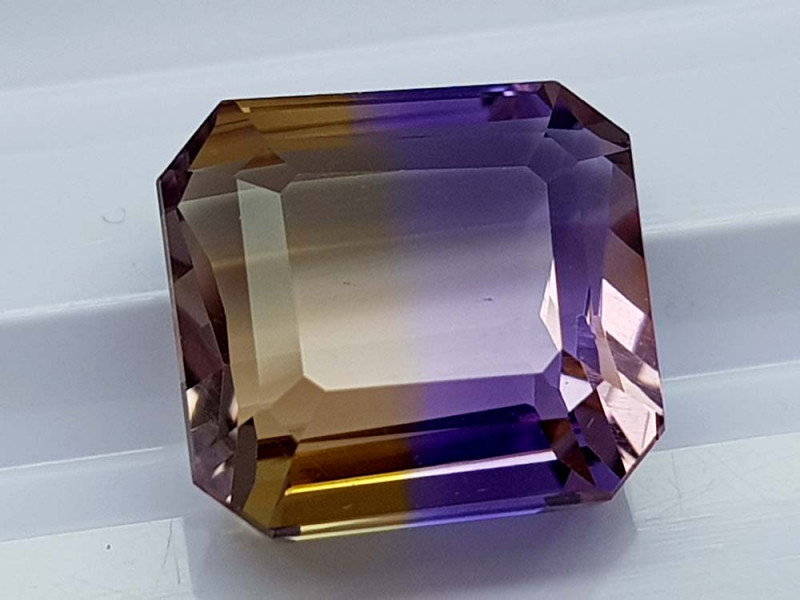 7.75CT BOLIVIAN AMETRINE BEST QUALITY STONES IGCAMCB86