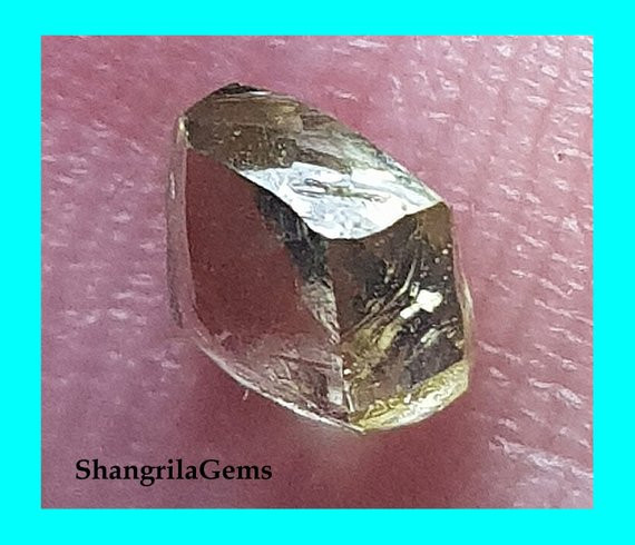 0.48ct 4.77mm Champagne diamond crystal