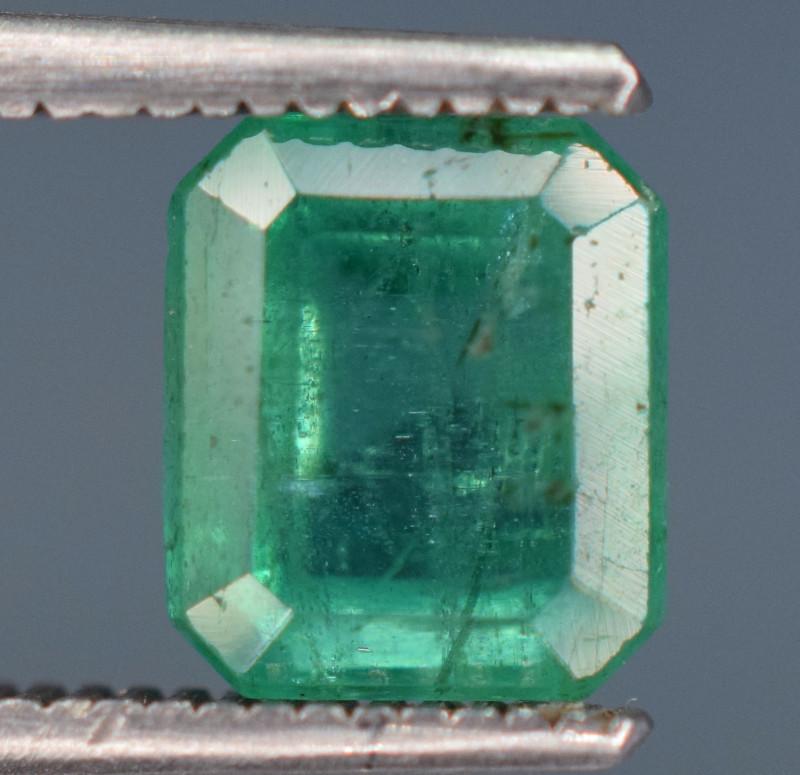 1.70 carats Natural green color Emerald gemstone