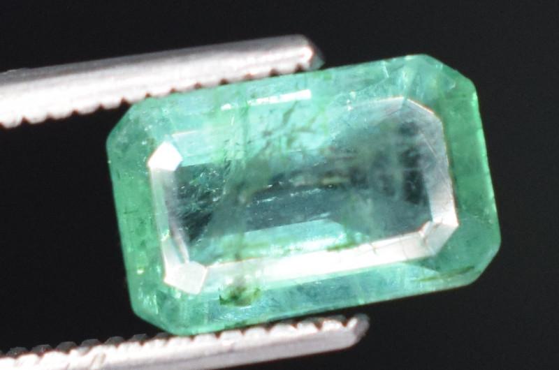 1.30 carats Natural green color Emerald gemstone