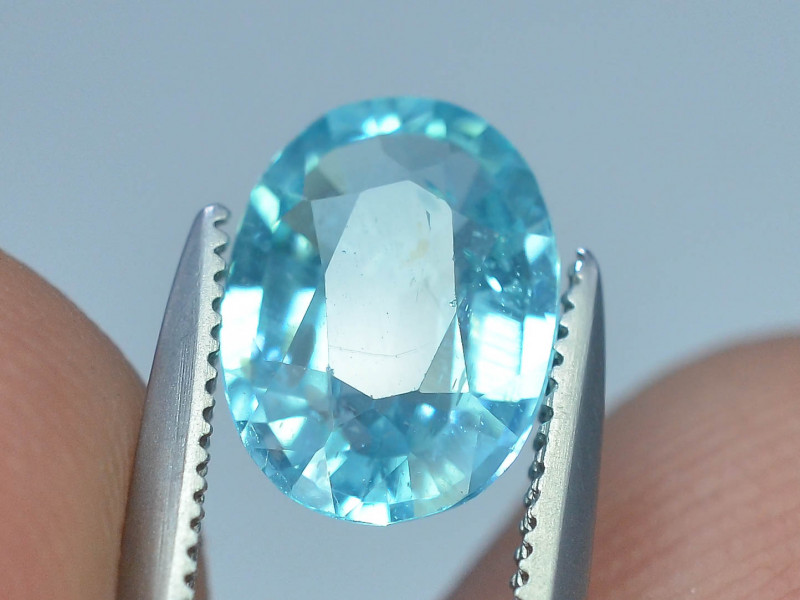 Great Luster 1.35 ct Apatite Mesmerizing Caribbean Color