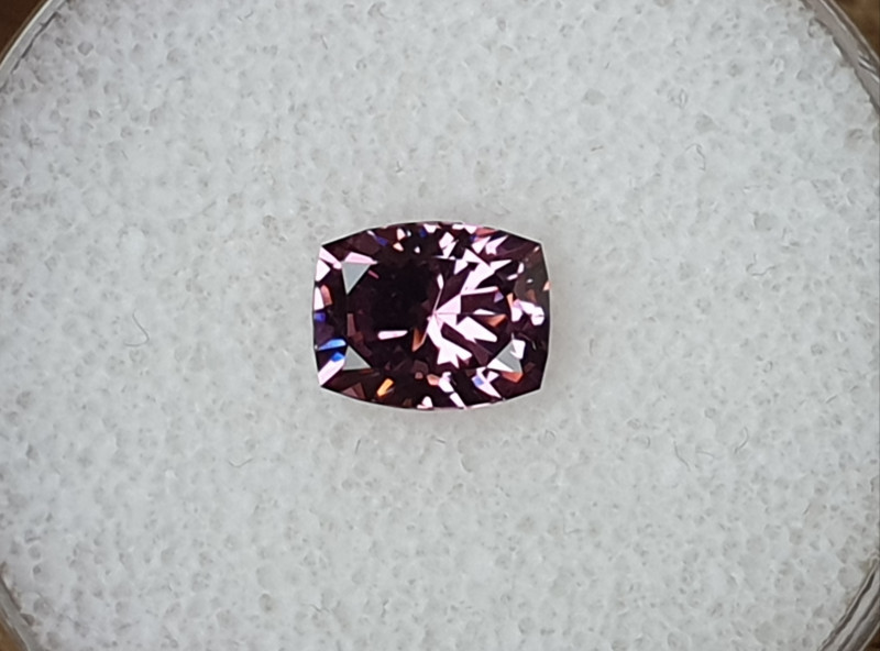 1,90ct Pinkish Purple Spinel - Master cut!