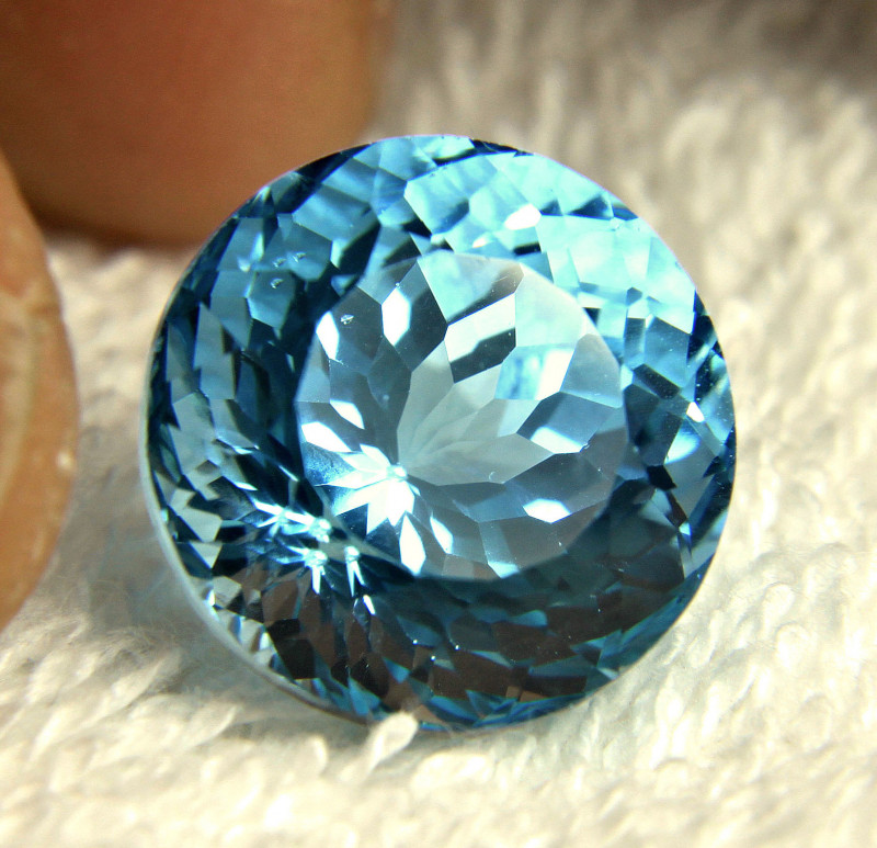 23.67 Carat Round Cut Brazil VVS Blue Topaz - Gorgeous