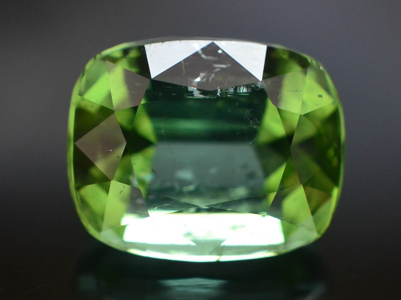 Amazing Color 3.85 ct Natural Green Color Tourmaline