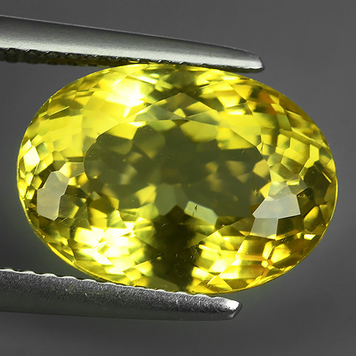 7.60 CTS EXQUISITE TOP YELLOW COLOR UNHEATED APATITE GEM!!