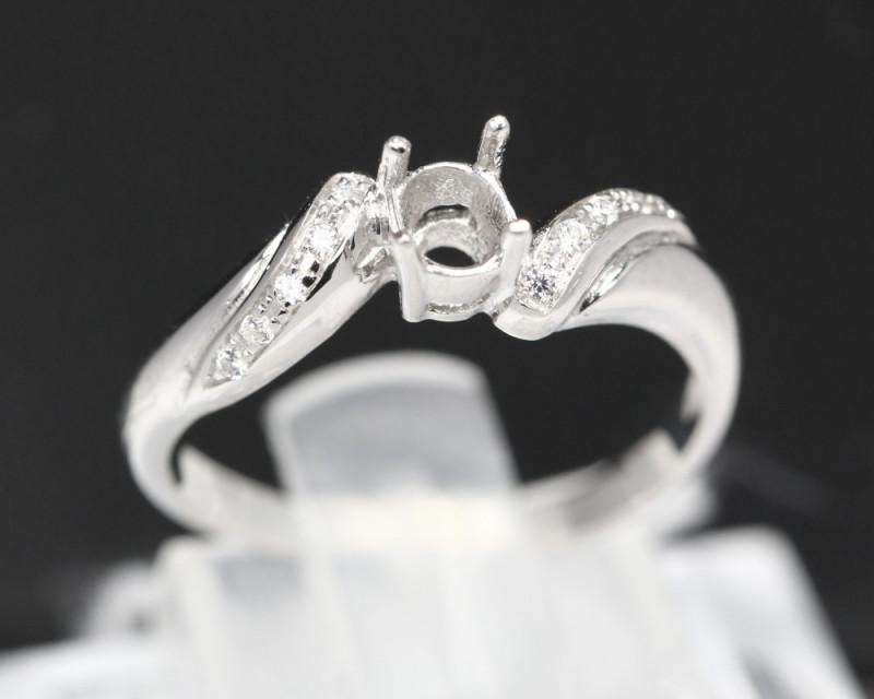 Semi Mount 4x3-4.5x3.5mm 18K Fine Jewelry White Gold G/VS  Diamond Ring V11