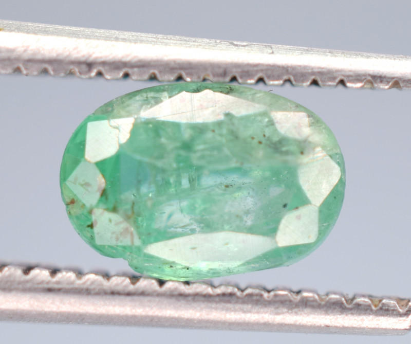 0.60 Carats Natural Emerald Gemstone